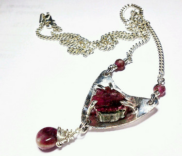 "Silver necklace with tourmaline ""Scho on the heart"""
