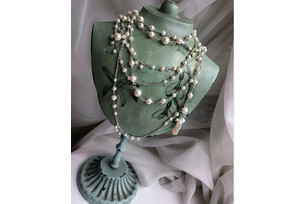Pearl Sotuar with Baroque Pearl