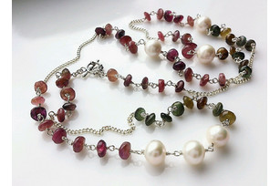 Silver necklace with pearls and tourmaline