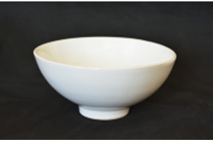 Salad bowl of 750 ml on a leg, 16 cm - the Classic series